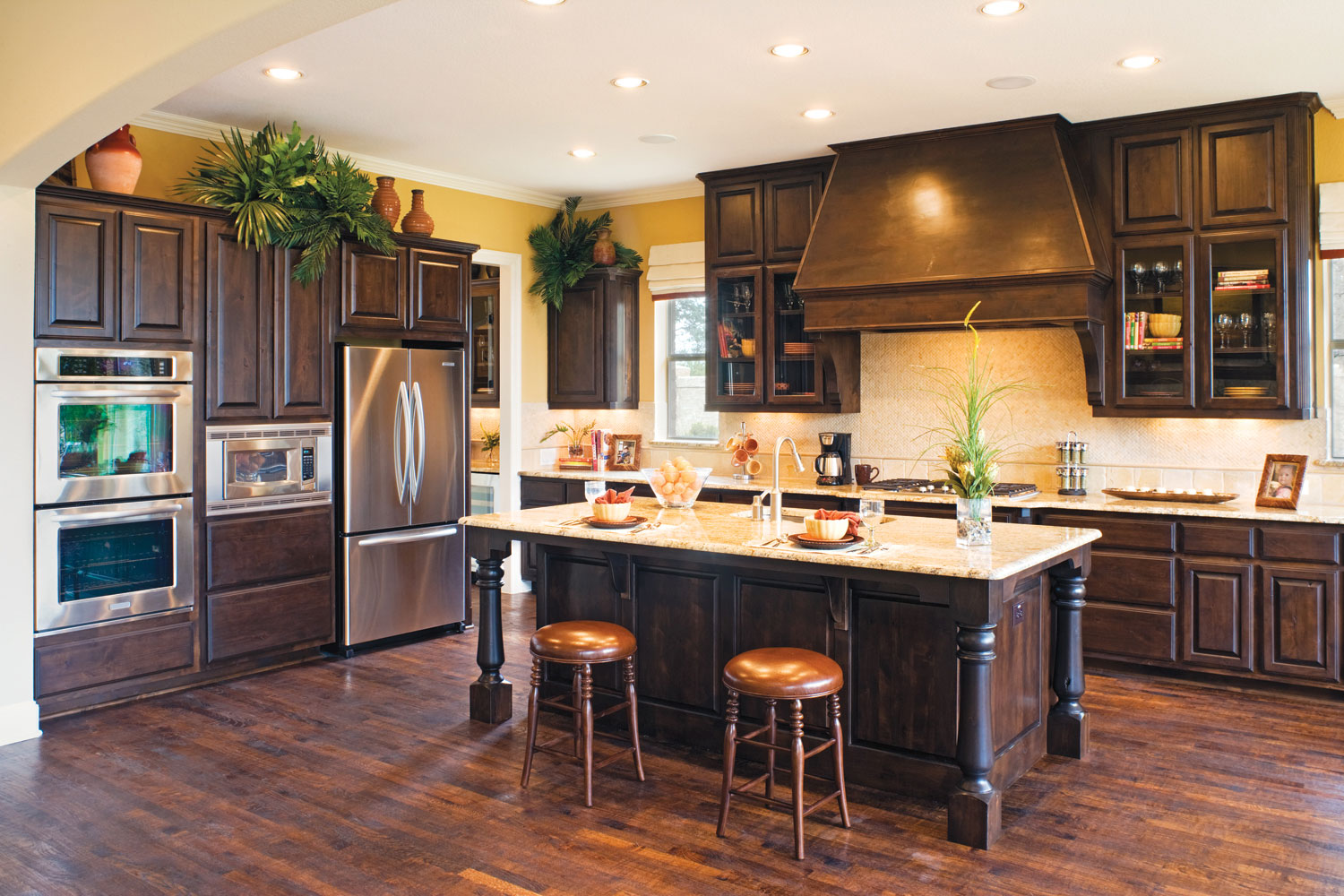 Dark knotty alder kitchen cabinets for Alder kitchen cabinets