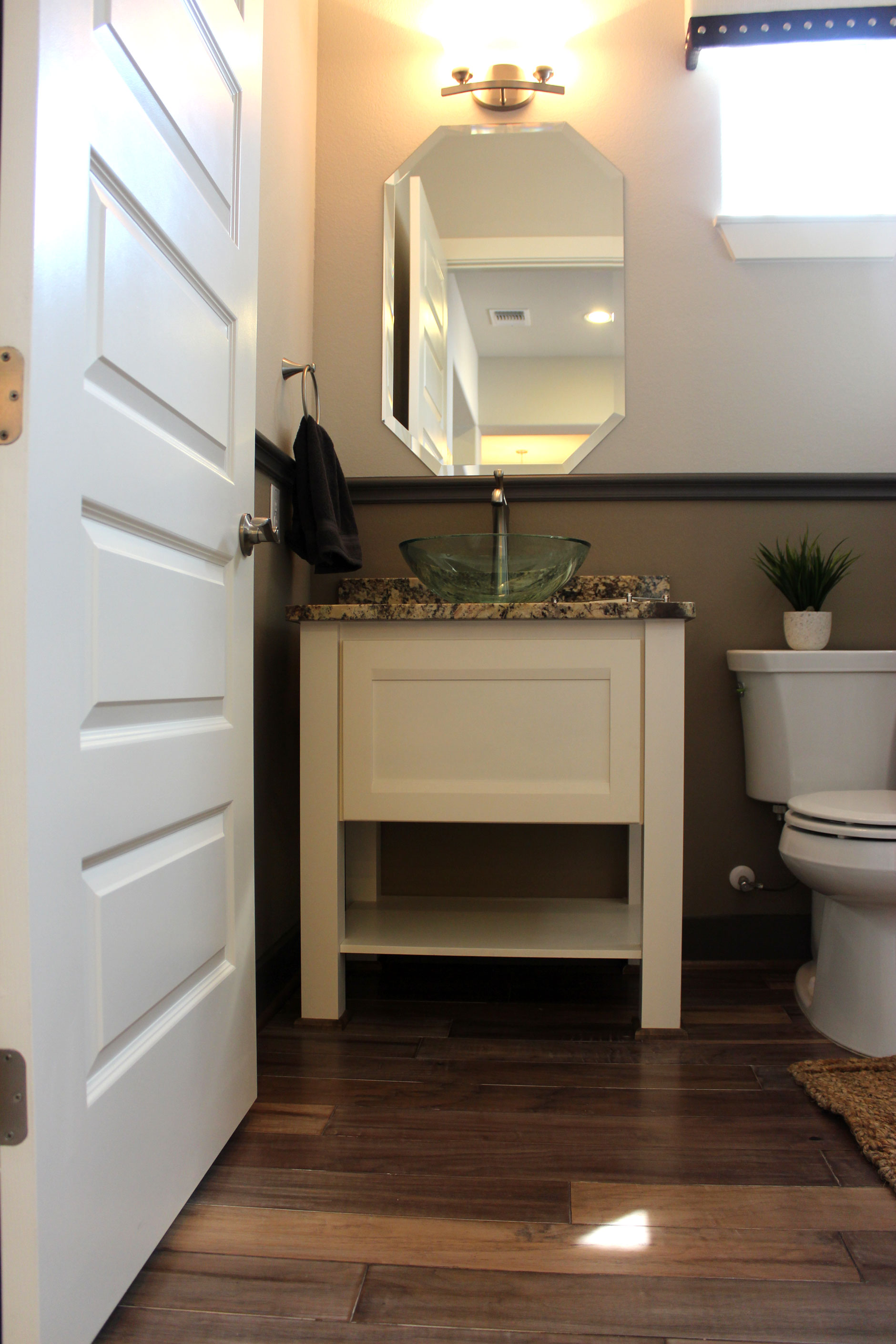 Modern Powder Room Cabinet With Painted Combination Frame Cabinet Door With  MW8 Rail Profile And FP1