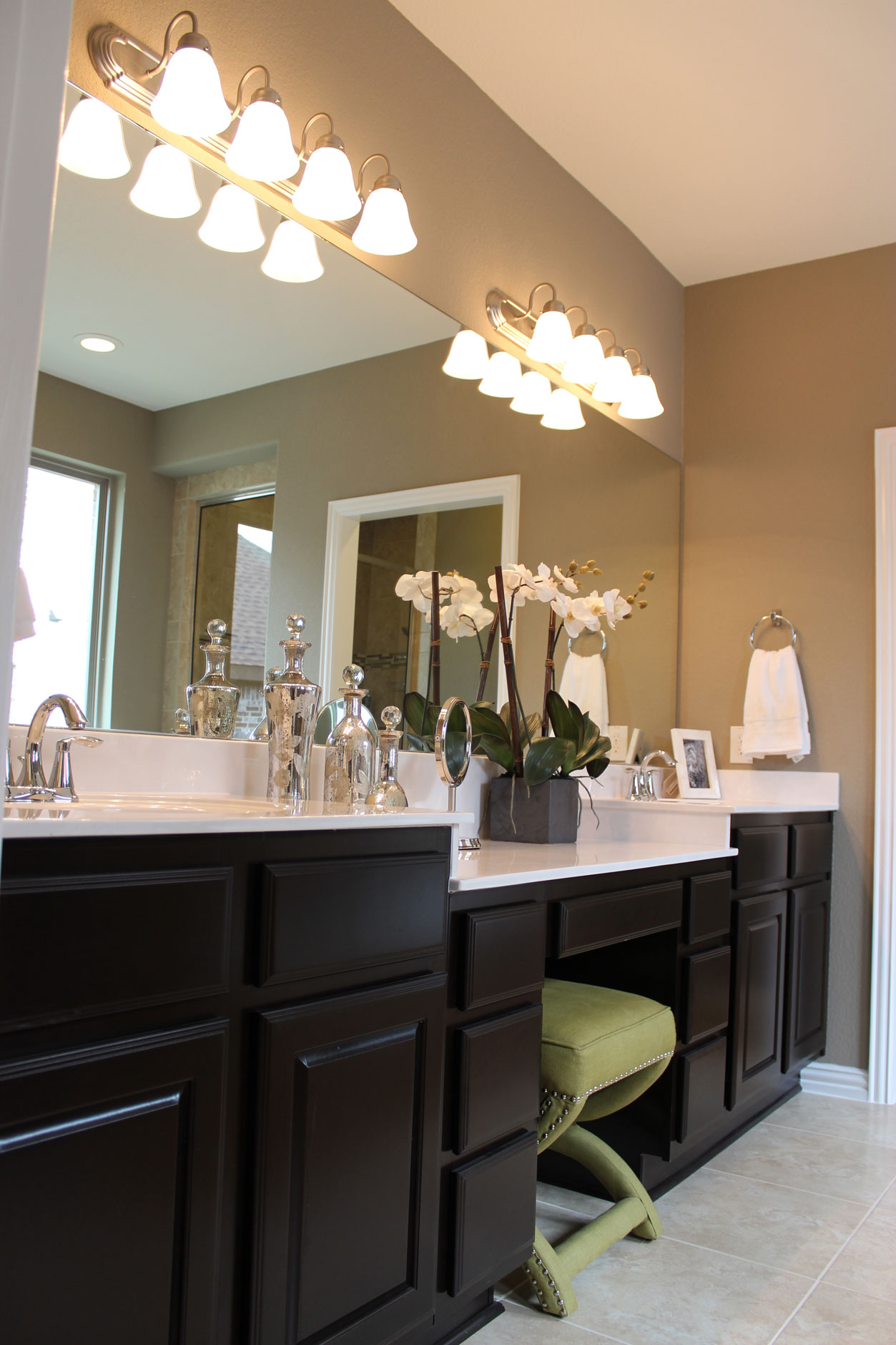 Master bath cabinets with C101 OE1, IE1, RP1 cabinet doors by TaylorCraft Cabinet Door Company