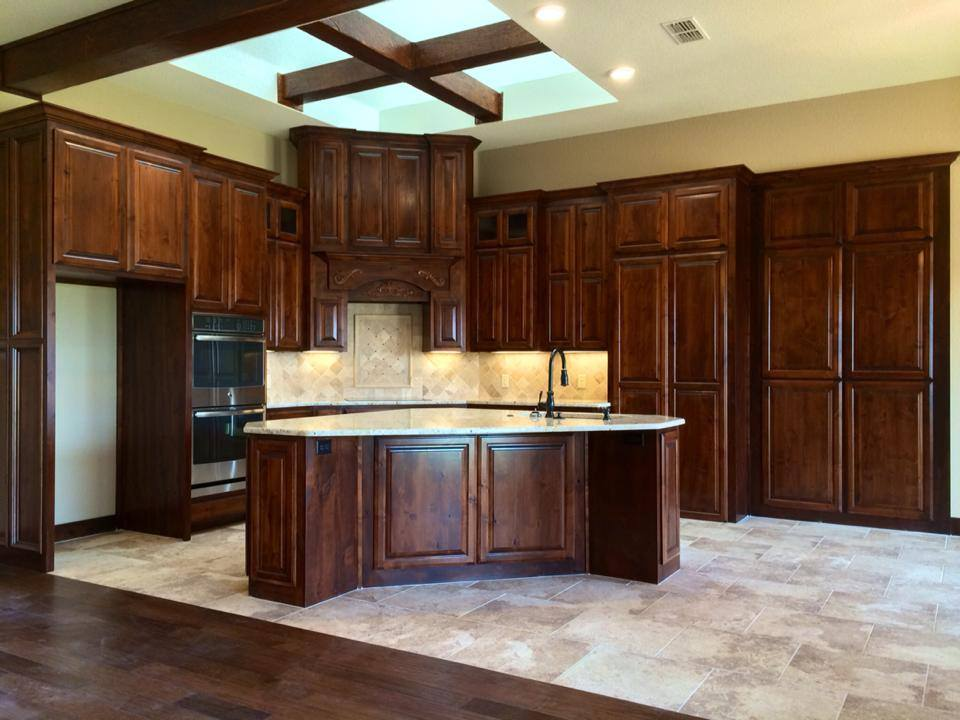 Kitchen cabinet 23 taylorcraft cabinet door company for Alder kitchen cabinets pictures